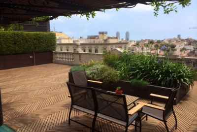 Penthouse in the heart of Barcelona with a large terrace and gorgeous city views